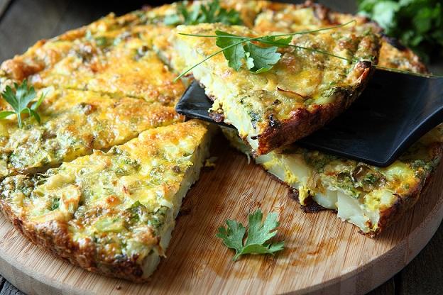 омлет с картошкой и сыром